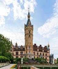 Картинка Германия Замок Скульптура Schwerin castle Города
