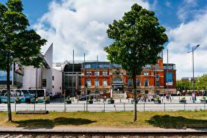 Обои Германия Дома Забор Деревья Kiel central train station город