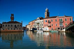 Обои Италия Дома Венеция Водный канал Murano Города картинки