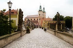 Фотография Польша Скульптуры Церковь Уличные фонари Klodzko, Lower Silesian Voivodeship, Klodzko County Города
