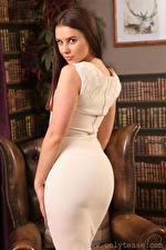 Фото Saffron only Шатенки Взгляд Платье Позирует молодые женщины