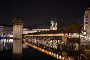 Картинка Швейцария Мост Ночные Башня Lucerne, Kapellbrücke город