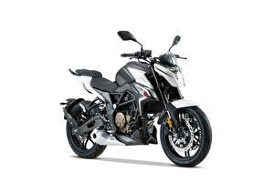 Фото Сбоку Белом фоне Voge 300 R, 2020 мотоцикл
