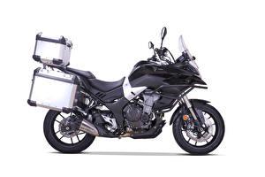 Фотография Черная Сбоку Белом фоне Voge 500 DS, Adventure Kit, 2020 Мотоциклы