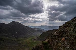 Картинка Андорра Горы Камень Облака Лучи света Ransol Природа