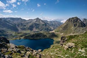 Фотография Франция Гора Камни Озеро Скала Etang Blaou, Pyrenees Природа