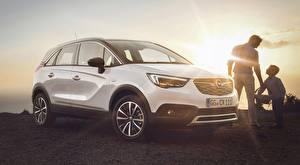 Обои Opel Белый Лучи света Кроссовер Crossland X, Turbo, 2017 автомобиль