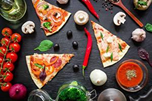 Картинка Пицца Грибы Помидоры Острый перец чили Оливки Часть Пища