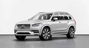 Фотография Volvo SUV Серебристая XC90, T8, Twin Engine Inscription, 2019 машины