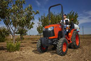 Обои Сельскохозяйственная техника Трактора 2018-20 Kubota B2261