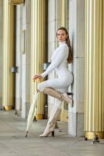 Фотография Позирует Платья Сапогах Зонтом Взгляд Anastasia молодые женщины