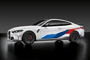 Обои BMW Сбоку Белый Металлик M4 Competition M Performance Parts, (G82), 2020 Автомобили картинки