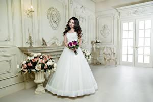 Фотография Букет Брюнетки Невесты Платья Белая девушка