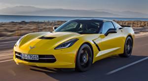 Картинка Chevrolet Размытый фон Движение Купе Желтые Corvette, Stingray Coupe, EU-spec, 2013 Автомобили