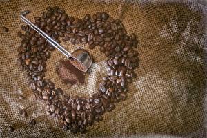 Картинка Кофе Вблизи Зерно Сердечко Продукты питания