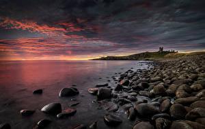 Картинки Англия Берег Замок Камень Рассветы и закаты Dunstanburgh Castle Природа