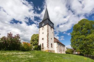 Картинка Германия Церковь Небо Башни Облака Hessen