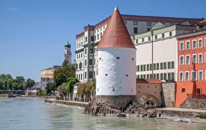 Обои Германия Здания Речка Бавария Башня Набережной Passau город