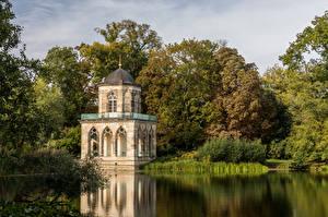 Обои Германия Потсдам Озеро Дерева Библиотека Gotische Bibliothek Города