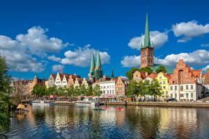 Фотография Дома Германия Речка Башни Lübeck, Trave River Города