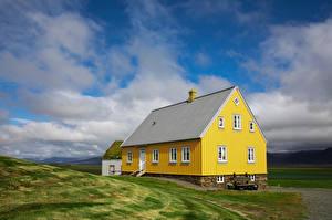 Обои Исландия Дома Желтый Облачно Glaumbær Природа