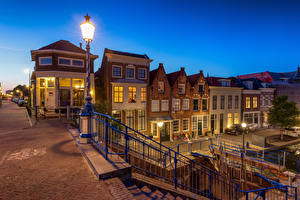 Фотография Голландия Дома Вечер Уличные фонари Maassluis город