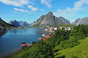 Картинка Норвегия Лофотенские острова Гора Здания Залив Reine Города