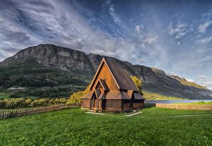 Фото Норвегия Гора Церковь Из дерева Valdres Природа