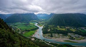 Фотографии Норвегия Гора Река Дороги Облака Сверху Trollveggen