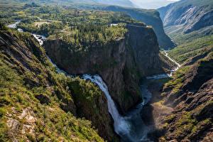 Картинки Норвегия Гора Водопады Скала Деревьев Vøringfossen Природа