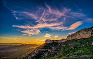 Фотография Испания Горы Небо Рассвет и закат Скала Catalonia Природа