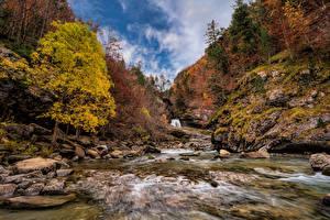 Картинки Испания Парк Осенние Гора Камень Речка Дерево Monte Perdido National Park Природа