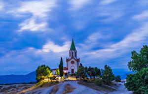 Обои для рабочего стола Испания Храм Церковь Вечер Холм Santuari Puig Agut in Manlleu город