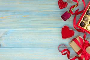 Обои День святого Валентина Доски Шаблон поздравительной открытки Подарки Ленточка