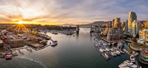 Картинки Канада Утро Дома Причалы Лодки Яхта Ванкувер Сверху Города