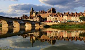 Картинки Франция Дома Реки Мосты Отражение Gien, Loiret Города