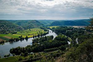 Картинка Франция Реки Пейзаж Горизонт Облачно Холмы Сверху Cajarc Природа