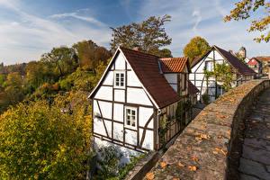 Картинки Германия Осенние Дома Дерева Warburg Города