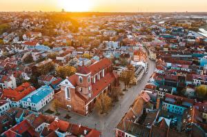 Фото Дома Рассвет и закат Литва Каунас Сверху Kaunas old town