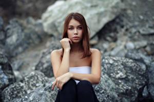 Фотография Сидящие Милая Смотрит Боке Lada, Evgeniy Bulatov девушка