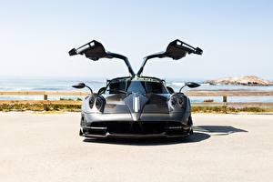 Фотографии Pagani Карбоновый Открытая дверь Спереди Italia Huayra машины