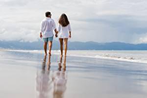 Обои Море Мужчины Пляж Два Прогулка