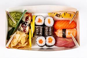 Обои для рабочего стола Морепродукты Суши Рыба Рис Белый фон Коробки Пища