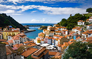 Картинка Испания Здания Заливы Крыша Cudillero Asturias Города