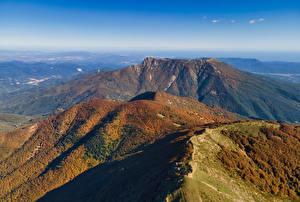 Картинка Испания Гора Осенние Сверху Catalonia Природа