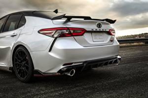 Обои Toyota Вид сзади Белый Седан TRD Camry 2020 Автомобили