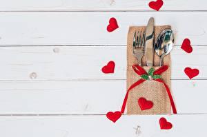 Фото День святого Валентина Ножик Серце Доски Шаблон поздравительной открытки Вилка столовая Ложка