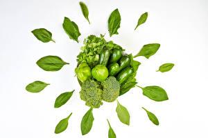 Фотография Овощи Перец Огурцы Брокколи Белый фон Зеленых Лист parsley Еда