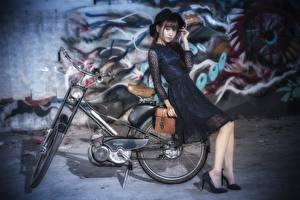Фото Азиаты Боке Шляпа Велосипеды Платье девушка