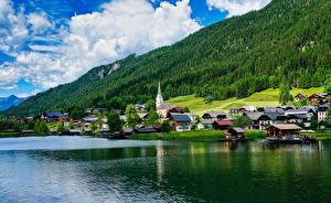 Обои Австрия Побережье Дома Озеро Леса Neusach on Lake Weissensee
